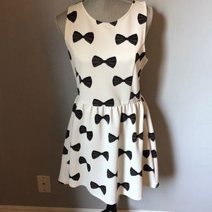 H&M Holiday Bow Sleeveless Dress